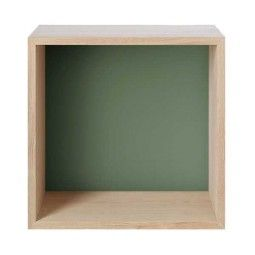 Muuto Outlet - Mini Stacked kast medium ash met dusty green backboard