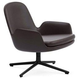 Normann Copenhagen Era Lounge Chair Low Swivel fauteuil met zwart onderstel
