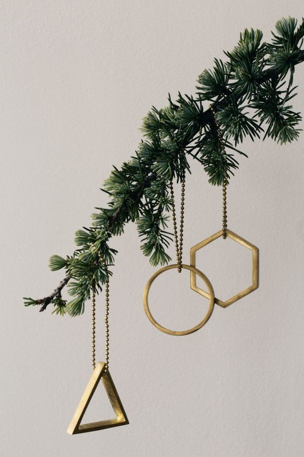 Ferm Living Brass Ornament Triangle kersthanger