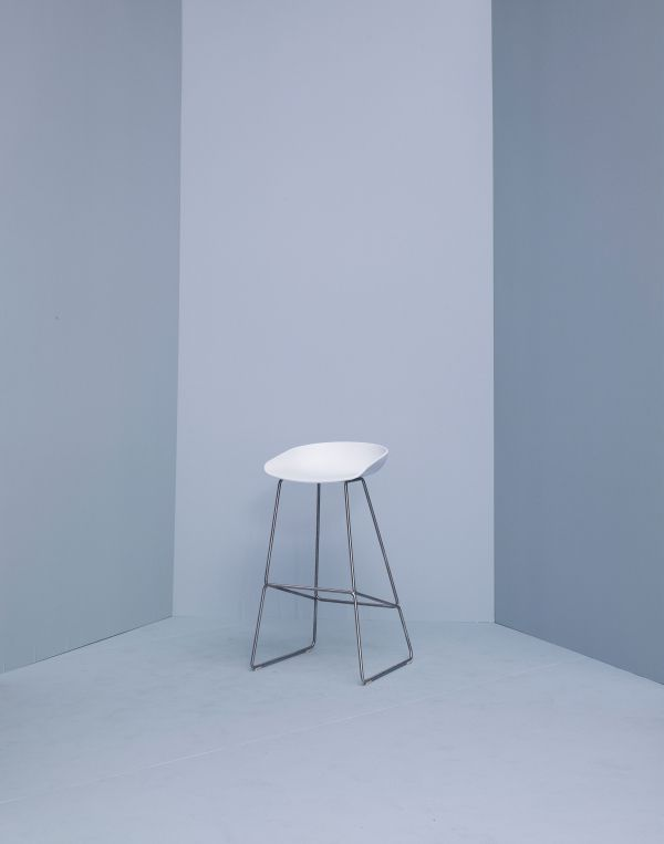 Hay Outlet - About a Stool AAS38 barkruk stalen onderstel, wit 65 cm